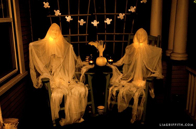 Foam_Head_Muslin_Ghosts_Dark_Halloween