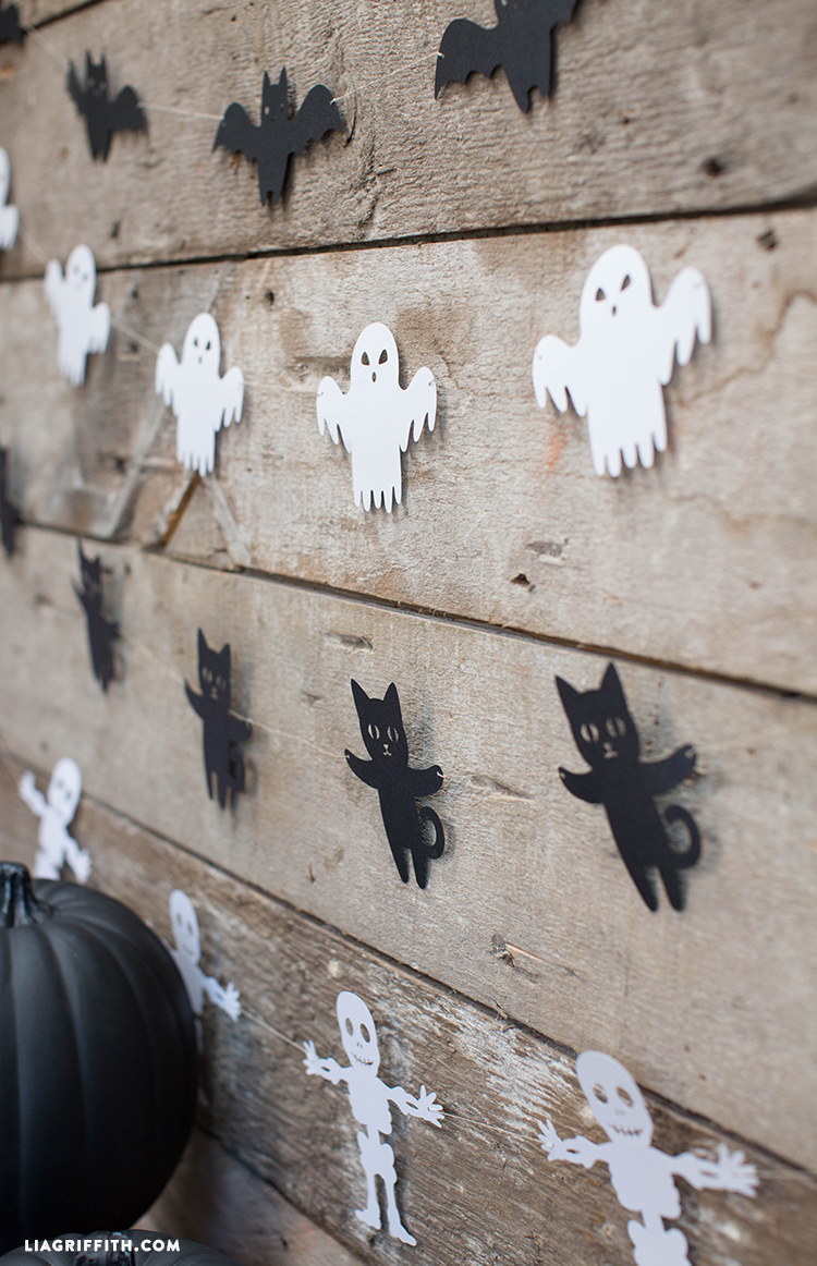Paper Halloween Garland Make This 100 S More Halloween Decorations