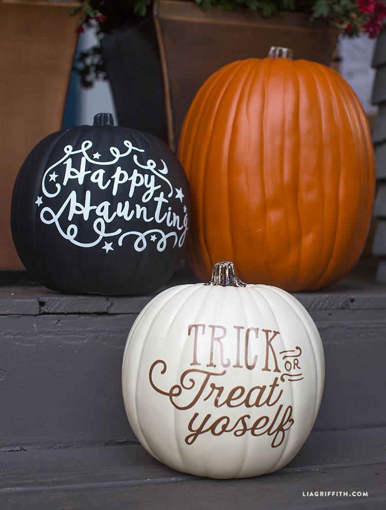 Halloween_Pumpkins_Trick_or_Treat_Yoself