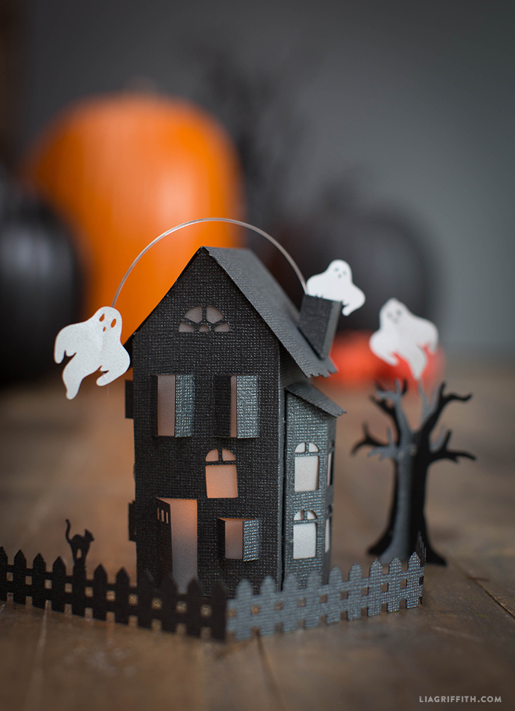Paper_Haunted_Mansion_DIY