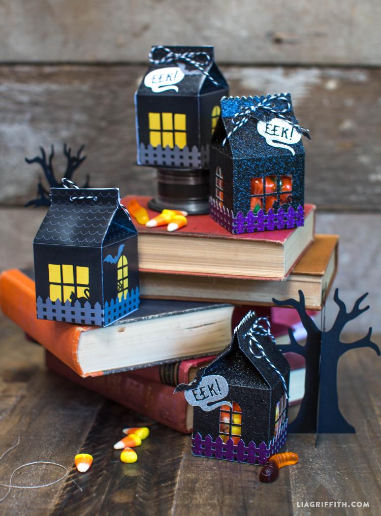 Papercut_Printed_Halloween_Treat_Cartons