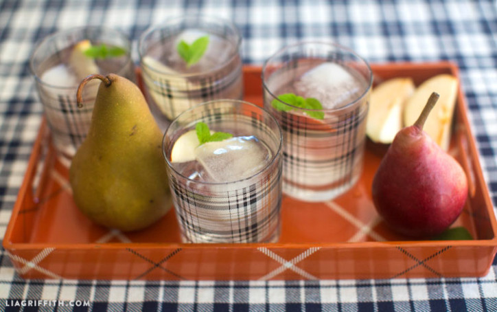 Plaid_Glasses_Tray_Drinks_Styled