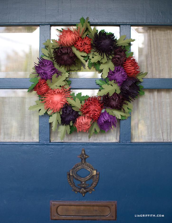 Spider_Mum_Wreath_Fall_Door
