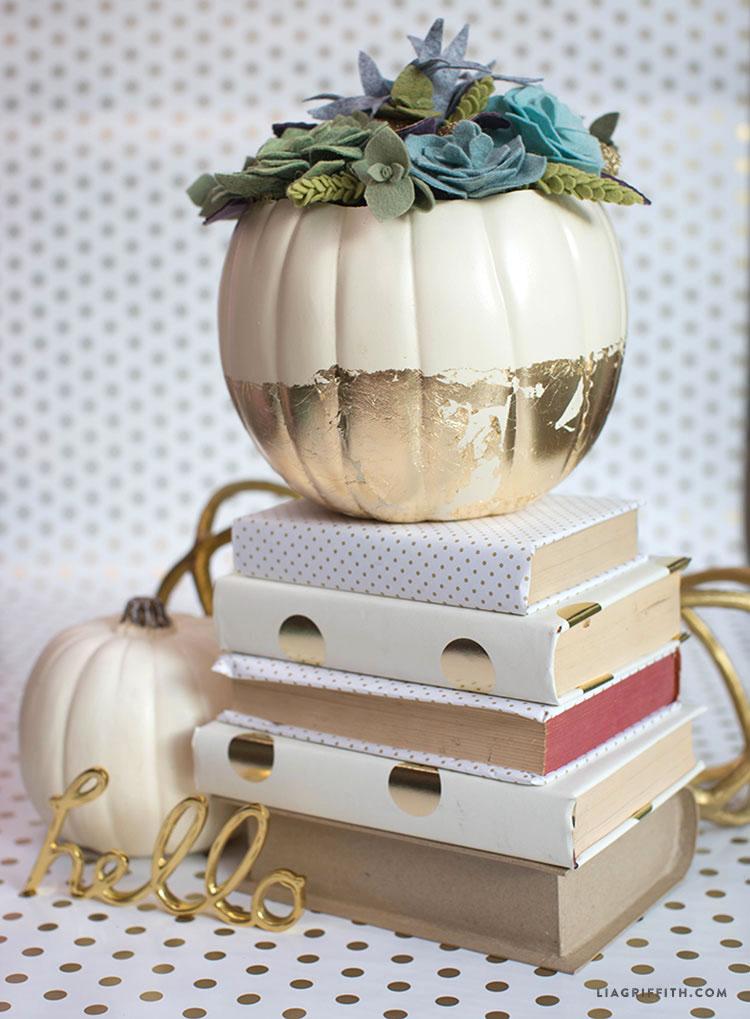Succulent_Felt_Pumpkin_Centerpiece