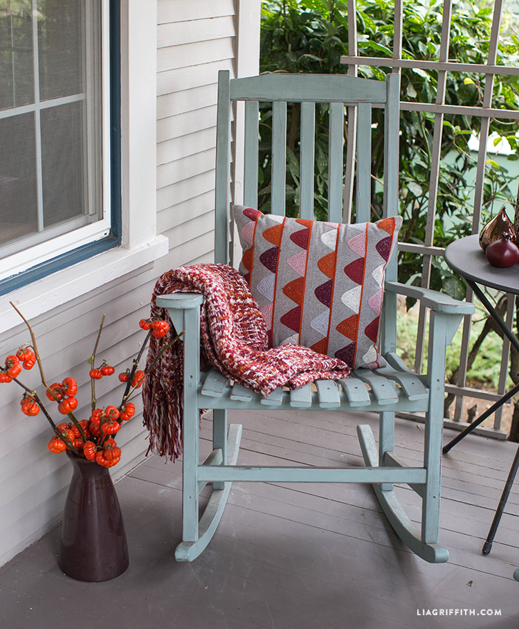 Chair_Porch_Front_Fall_Decor