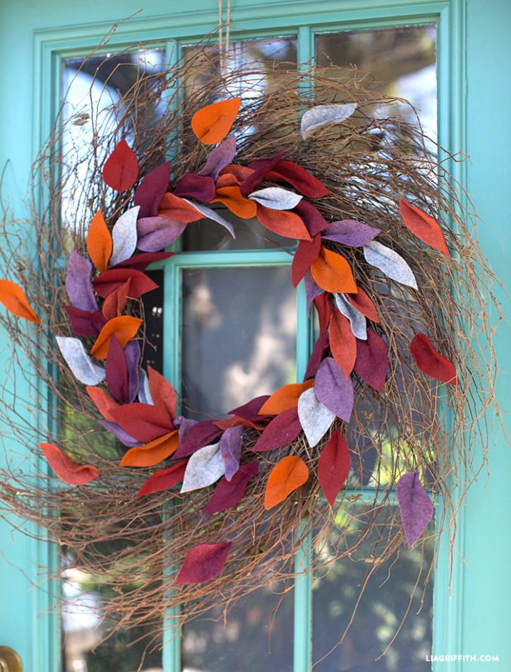 Fall_Felt_Leaf_Wreath_DIY