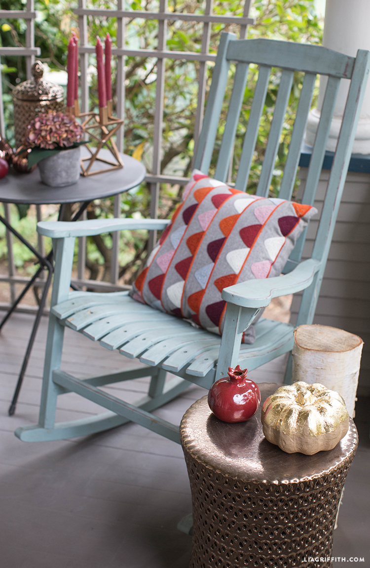 Fall_Porch_Decor_Chairs