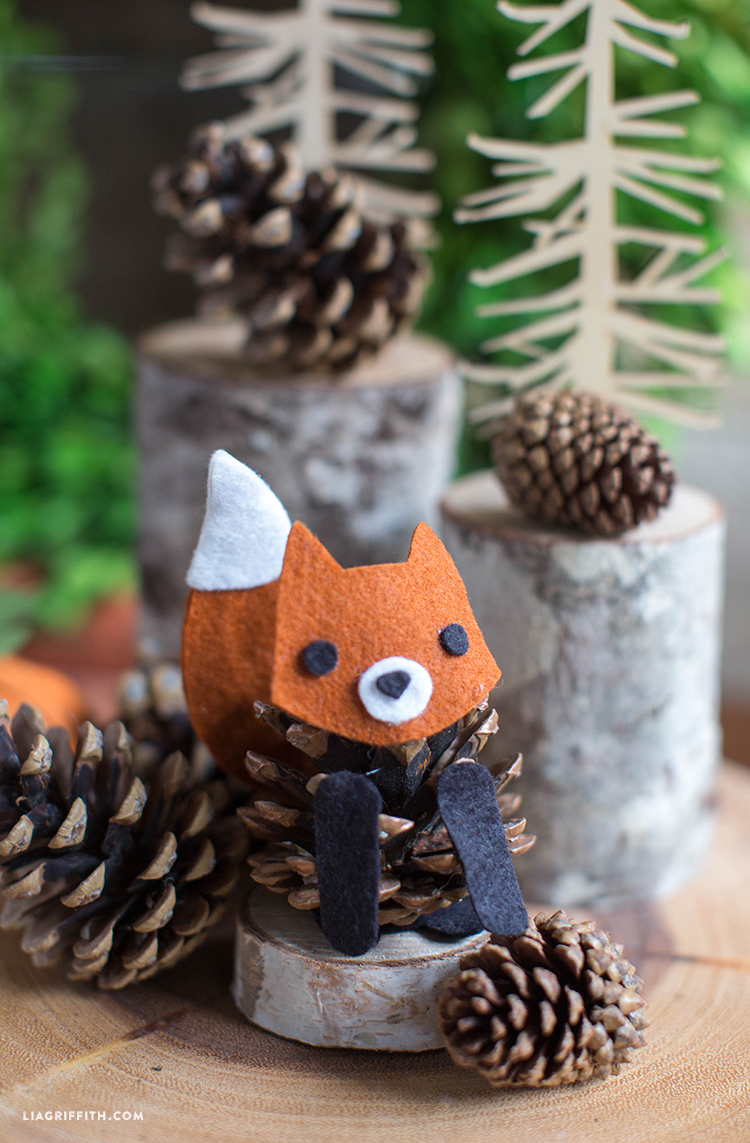 Felt_Pinecone_Fox_Kids_Craft_DIY