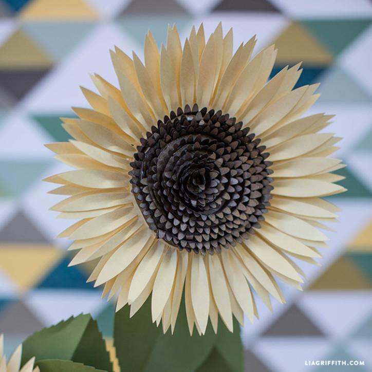 Metallic_Paper_Sunflower_Pattern