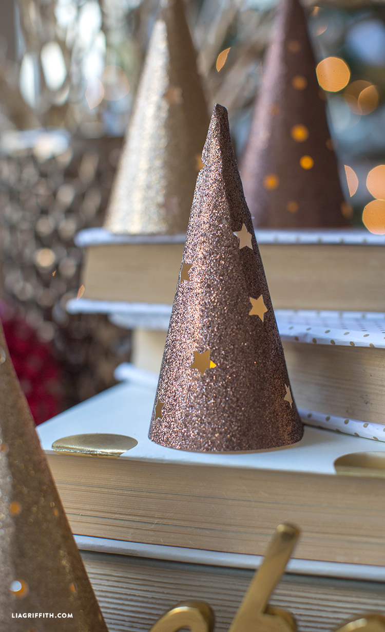 Christmas_Paper_Cone_Lanterns