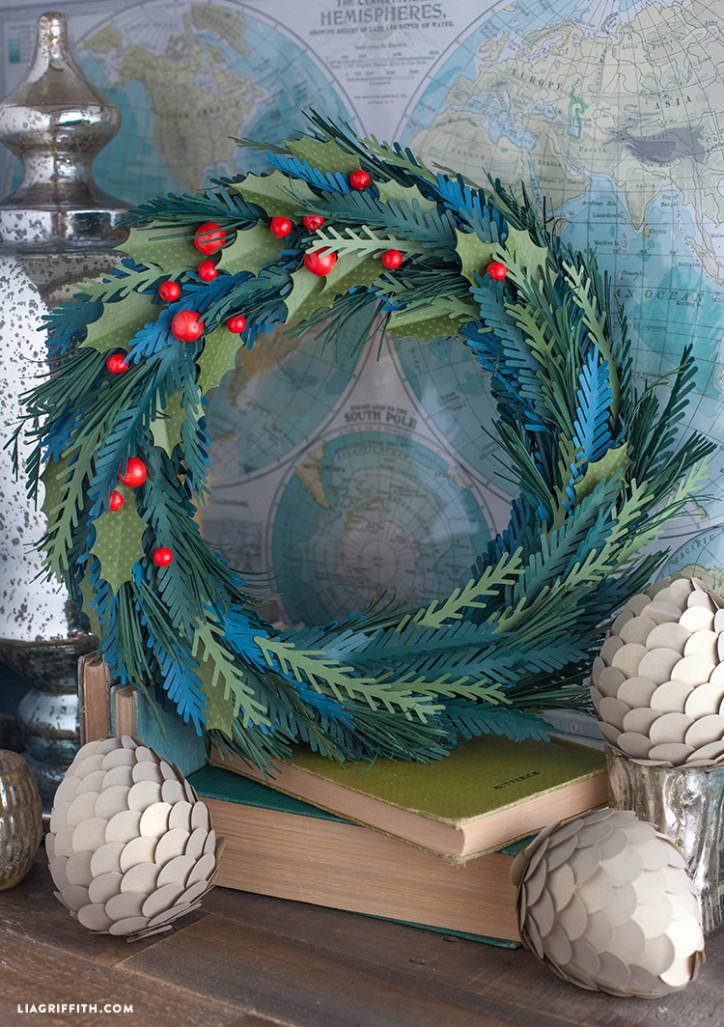 Paper_Bead_Christmas_Wreath_DIY