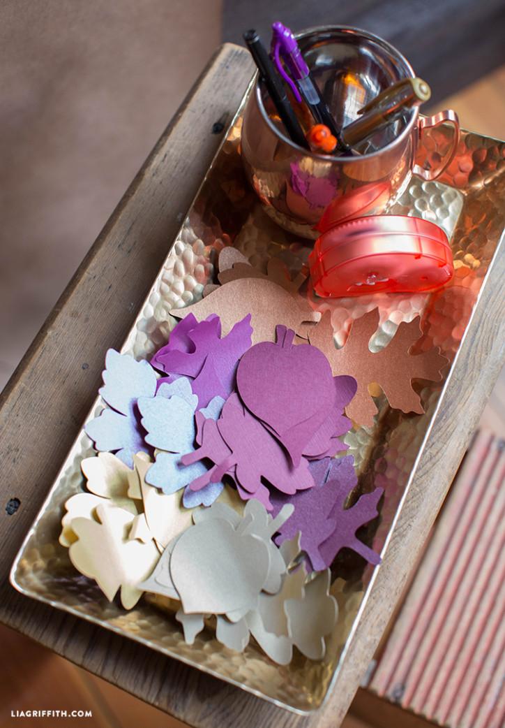Paper_Leaves_Thankful_Tree