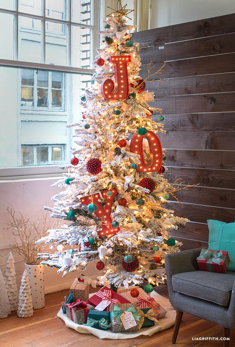 Treetopia_Christmas_Tree_Technicolor