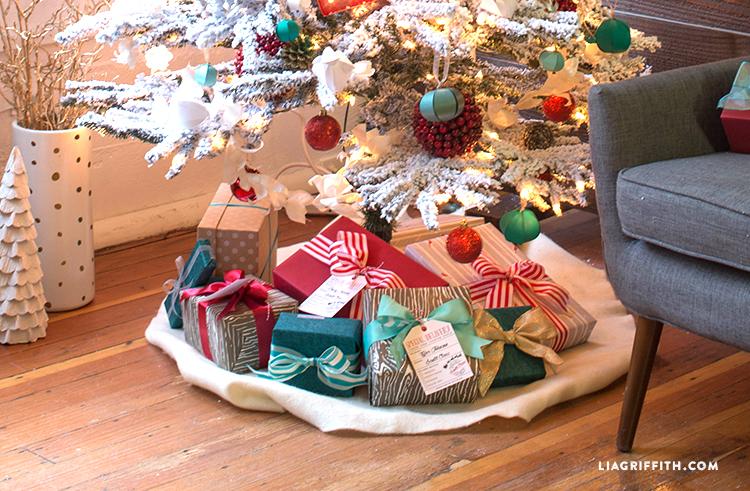 Treetopia_Technicolor_Christmas_Tree_Gifts