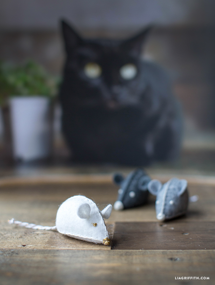 DIY_Felt_Mouse_Cat_Toy