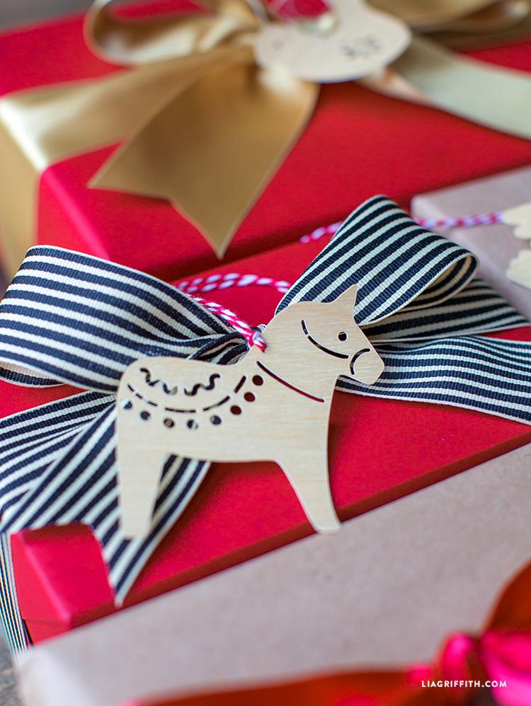 Dala_Horse_Gift_Tag_Paper_Cut