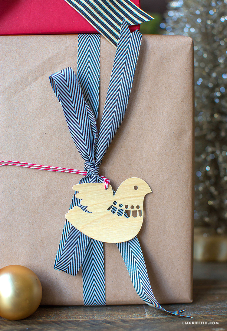 Dove_Gift_Tag_Paper_Cut