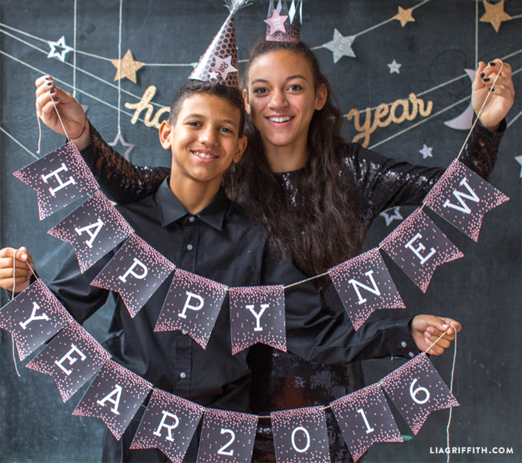 Tween_Happy_New_Year_Banner_Bunting