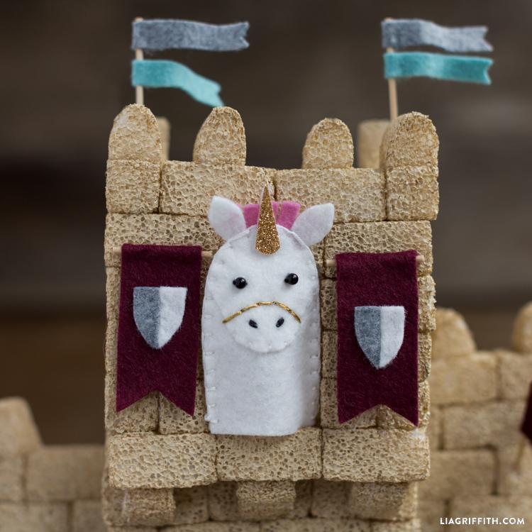 Castle&FingerPuppets_13