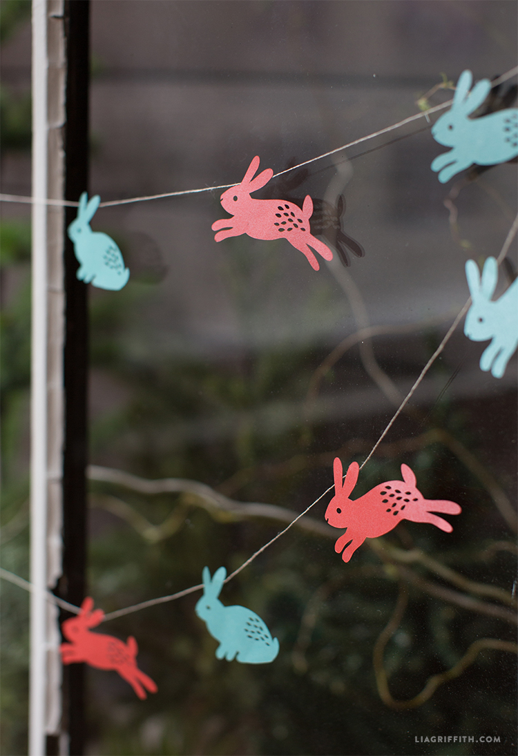 DIY Easter Garland