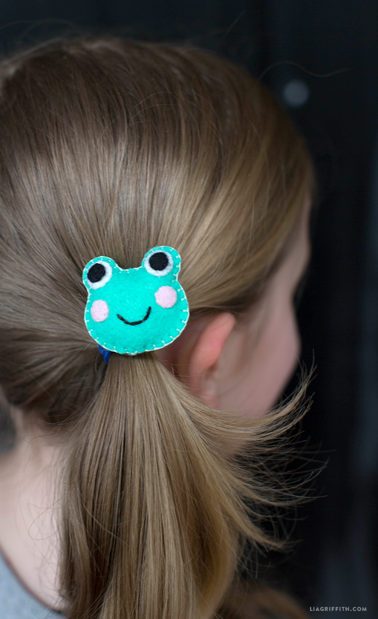 FrogHairclip2