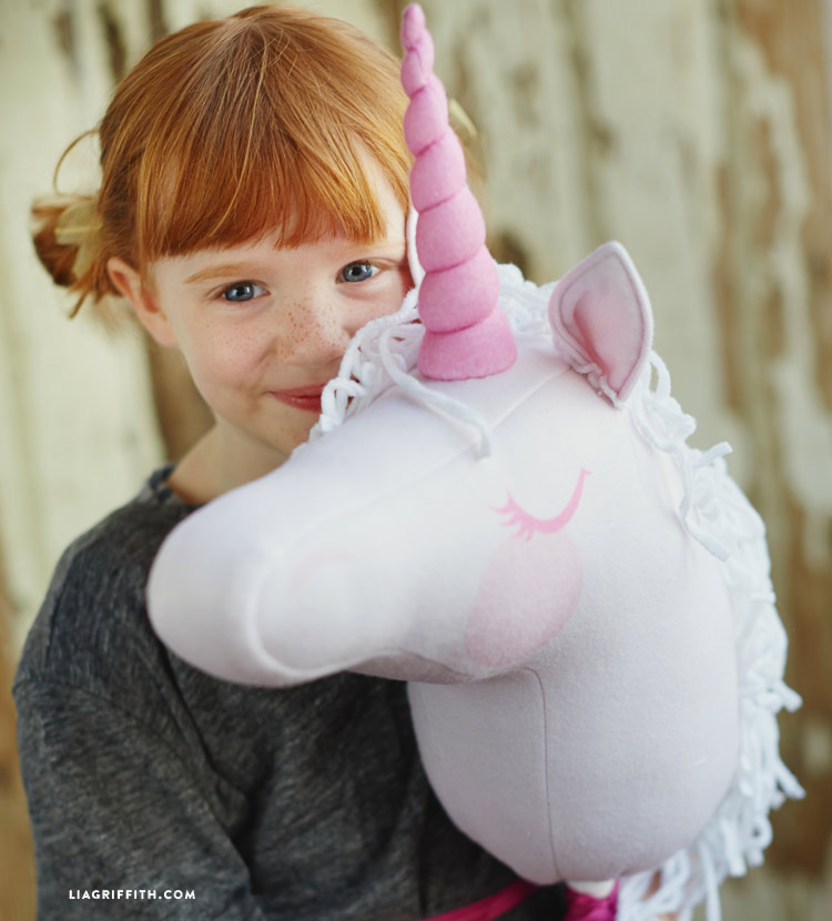 DIY Stick unicorn