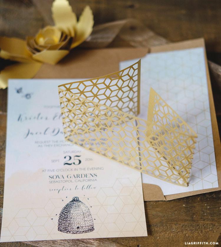 Honeybee_wedding_invitation_0013