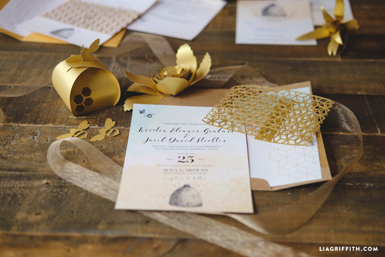 Honeybee_wedding_invitation_0014