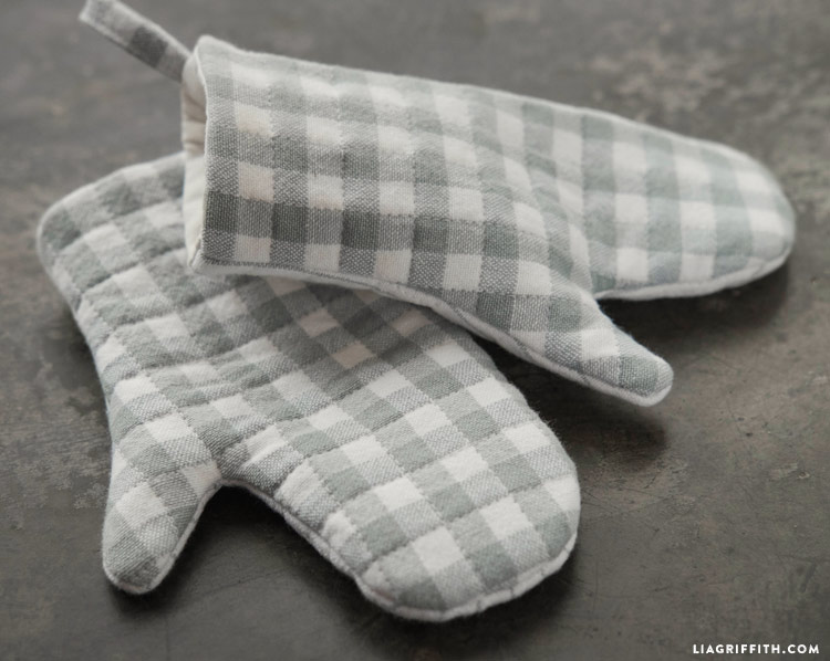 Play Oven Mitts