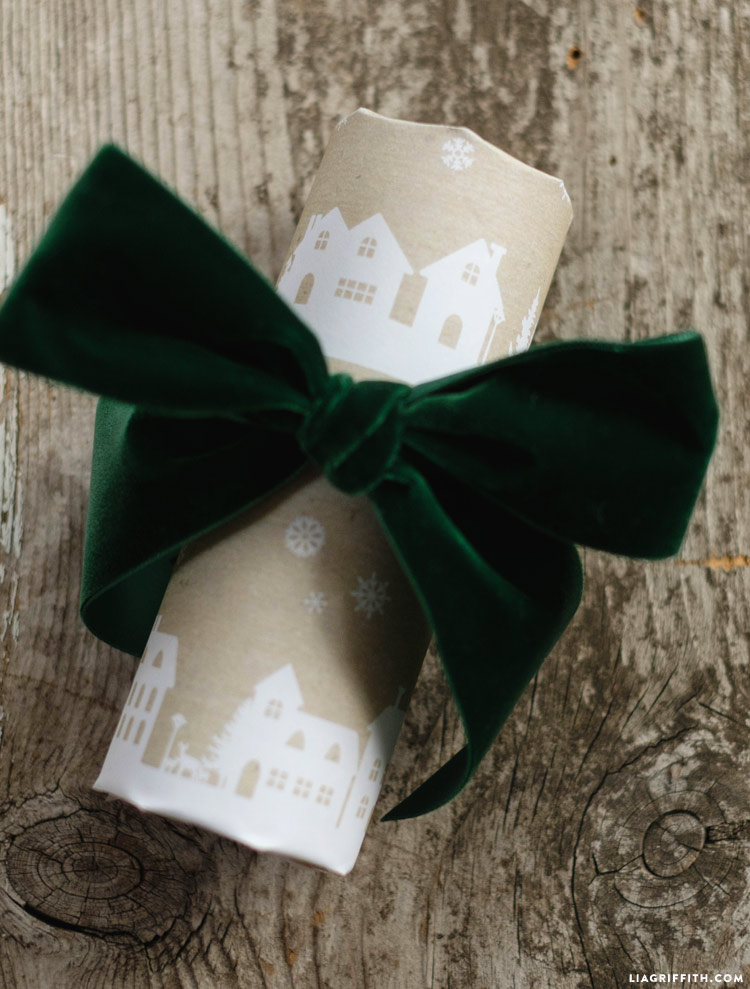 cozy_holiday_gift_wrap_0006