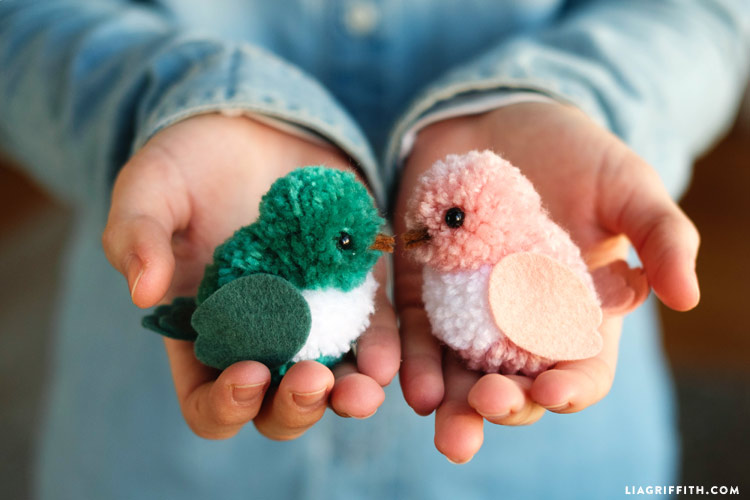DIY pom pom love birds