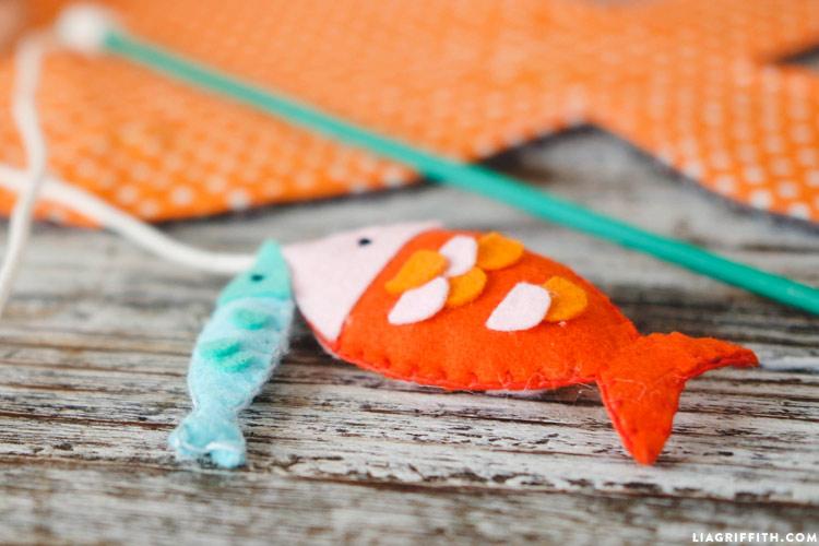 DIY Fishing Rod Cat Toy