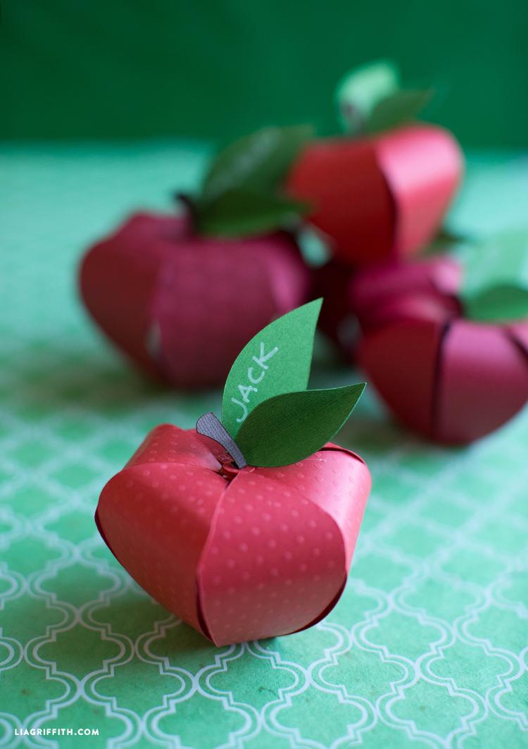 diy paper apple