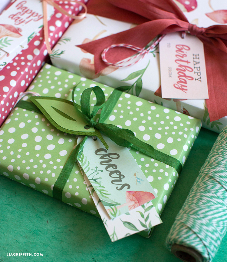 printable gift wrap and tags
