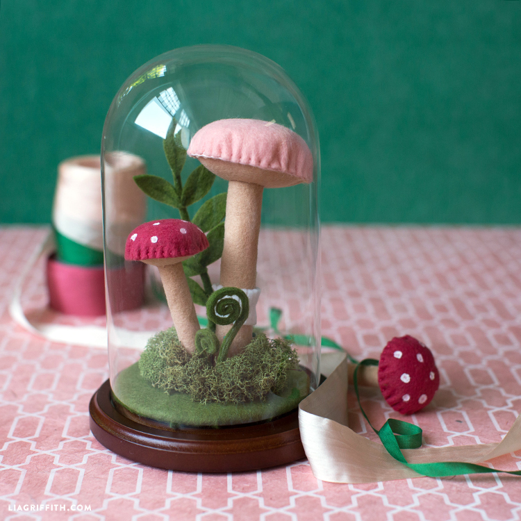 tiny woodland terrarium