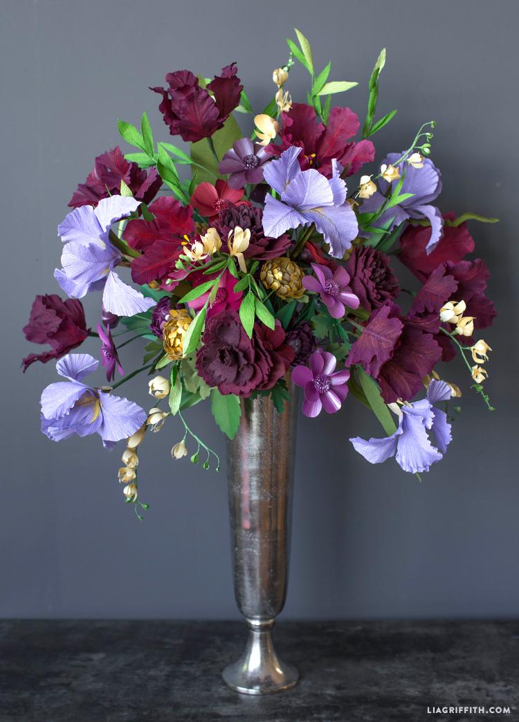 cricut made giant paper flower bouquet