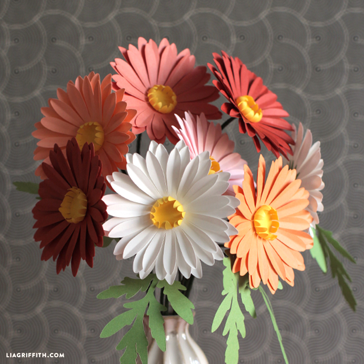 simple paper daisies