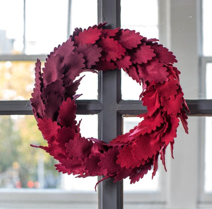 diy felt wreath