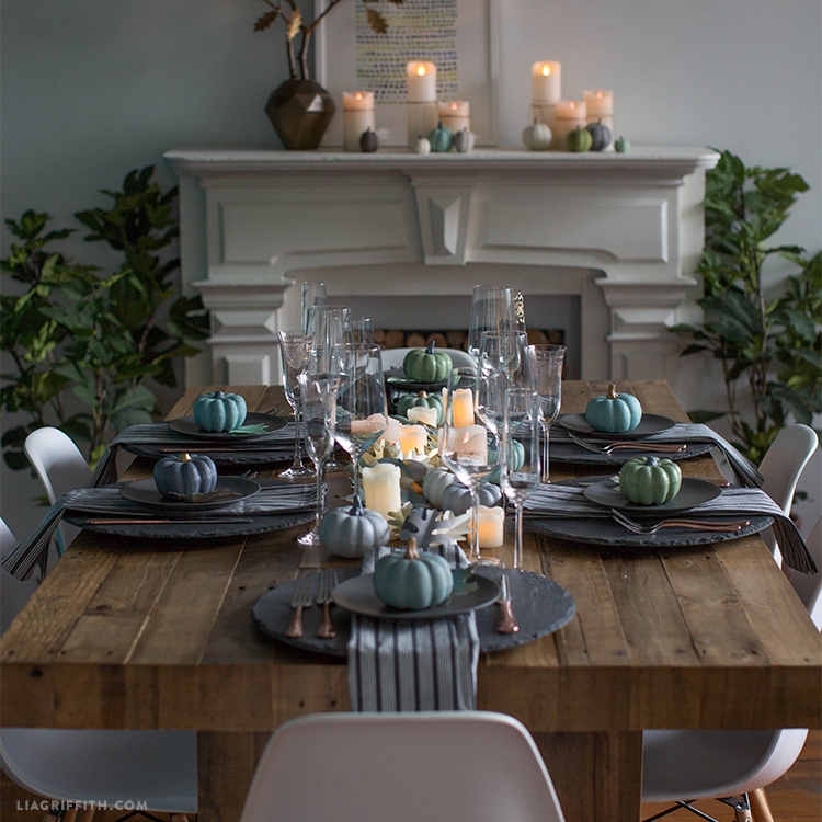 Lia Griffith 2017 thanksgiving table