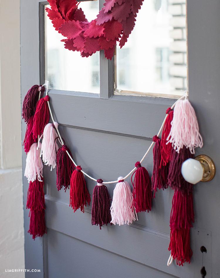diy yarn tassels