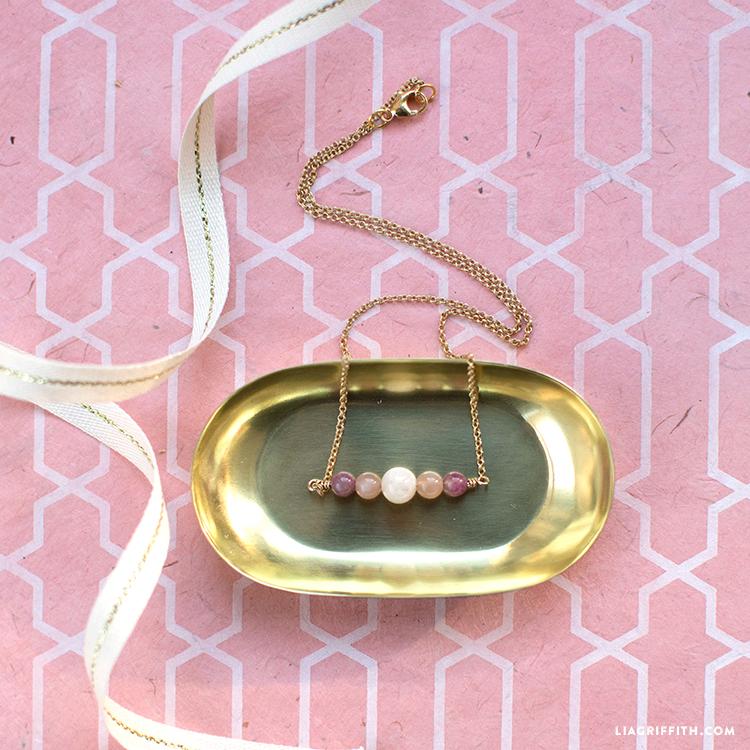 easy rose quartz necklace