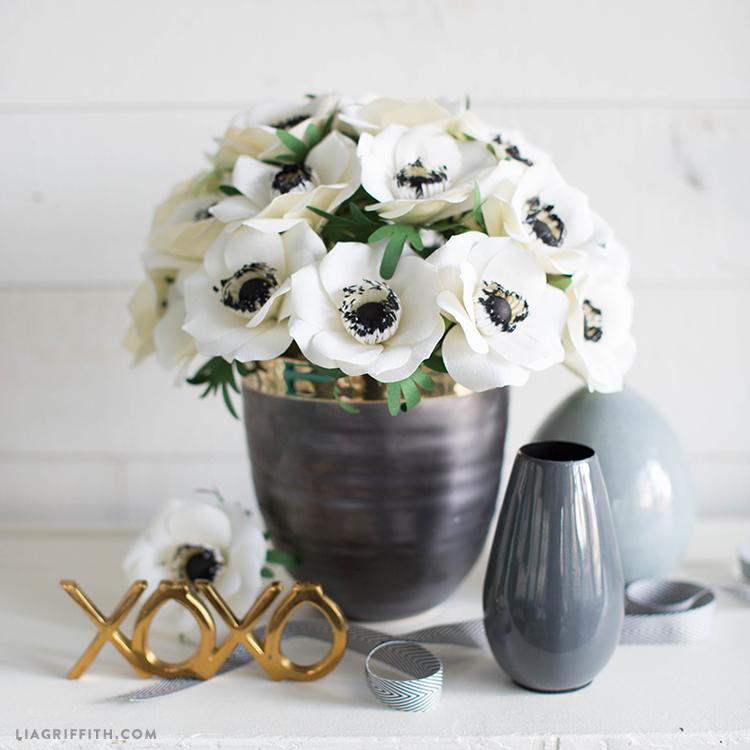 advanced crepe paper anemone flower
