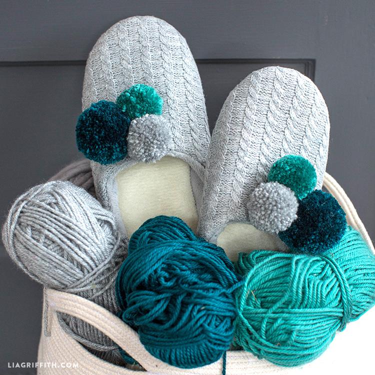 diy pom pom slippers