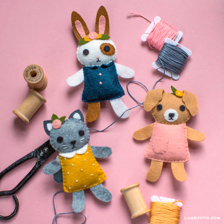 mini felt friends