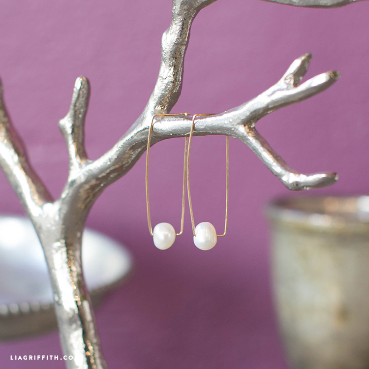 make your own pearl earrings