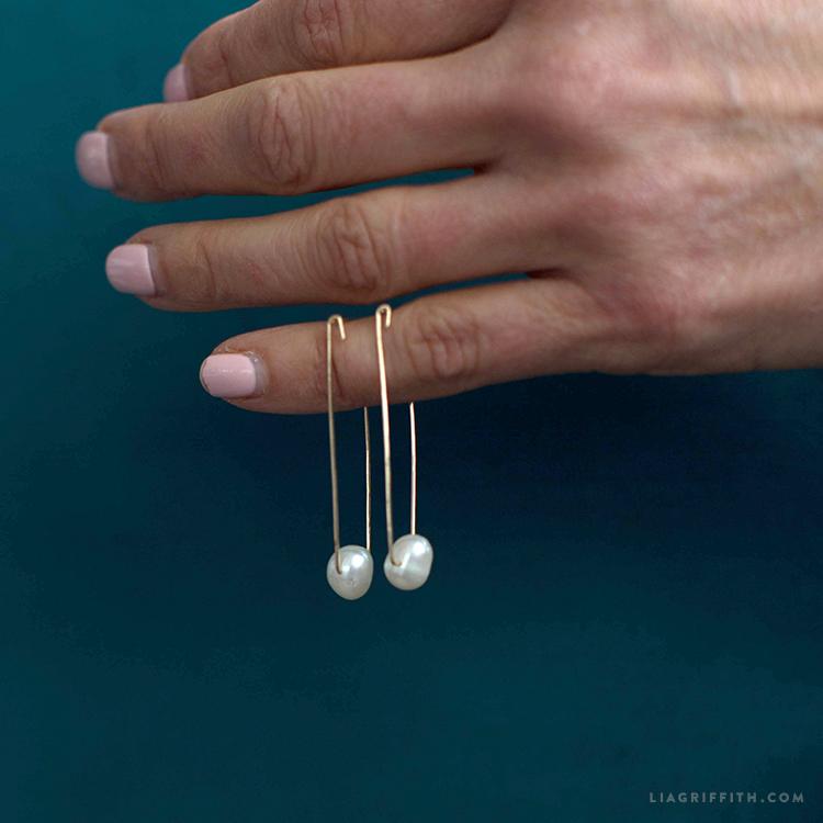 diy pearl earrings