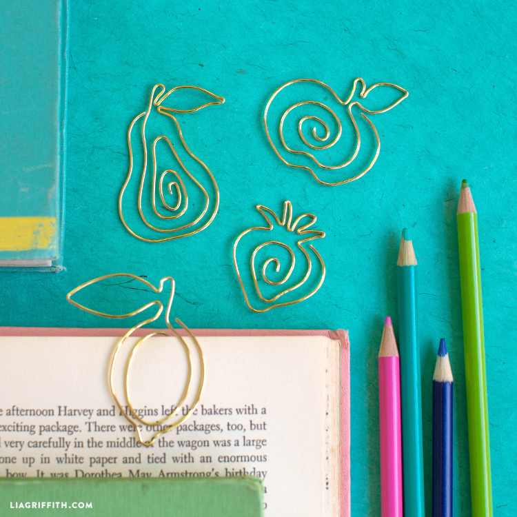 wire fruit diy bookmarks