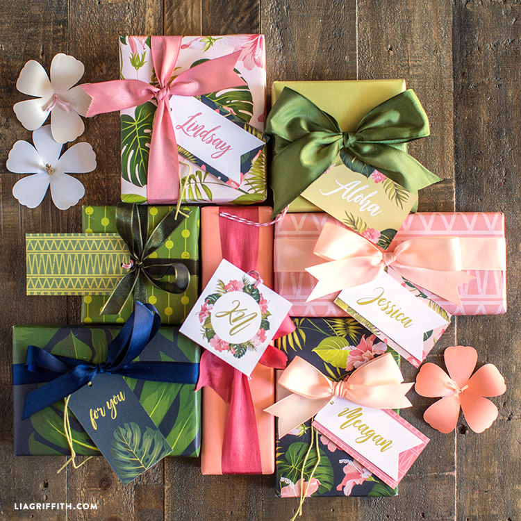tropical gift wrapping