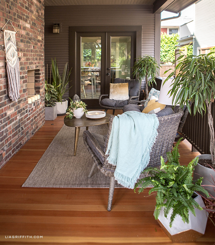 Outdoor living furniture and home decor from Hayneedle