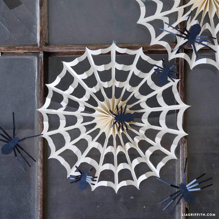 Paper accordion spiderweb for Halloween